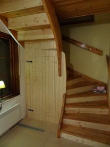 Städskåp under trappen